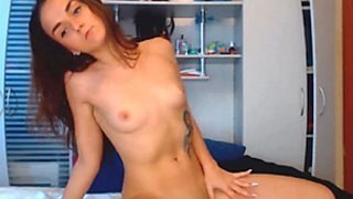 Seductive Babe Get Naked and Masturbate