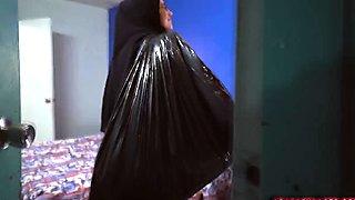 Horny Arab burka wearing slut gets nailed doggy style