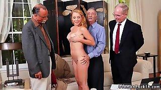 Zarif çinli genç mastürbasyon ve esmer anal uzun çorap frannkie and the gang tag team - Raylin Ann