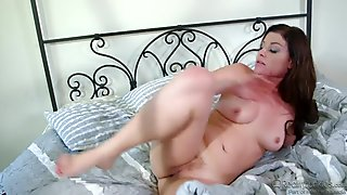 Sovereign Syre Is An Experienced Slut