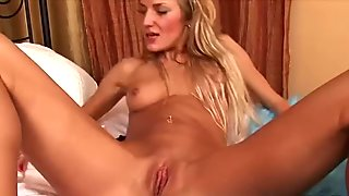Sexy Monica dildo insertion!