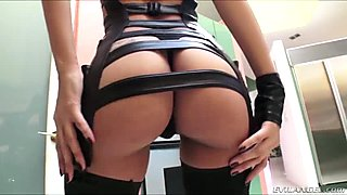 Jade bangs in the ass by horny director