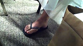Candid Sexy Feet in Flip Flops