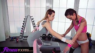 Fitness Rooms Italian fitness Marica Chanelle blogger fucks nymph Freya Dee