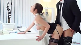 Office quickie with his hot secretary
