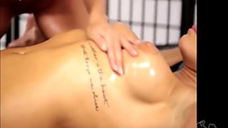 Oil-Massage mit Caro und NickyNasty - Oil,Lesbians,Squirt