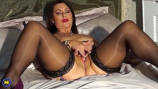Sexy British mom Christine with big natural tits - Part2 on SugarCamGirls.com