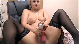 Blonde Milf Cam Model Masturbating