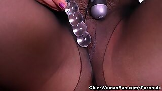 Latina milf Maribel plays with her bang-out fucktoys