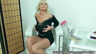 euro cougar Roxana exposes her big tits and rubs her snatch
