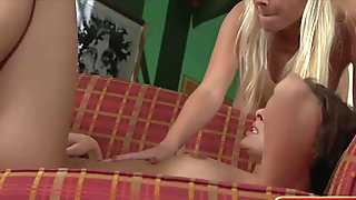 Stunning European starlets in lesbian threesome