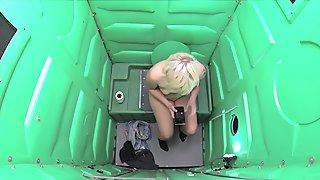 Porta Gloryhole Blonde girl swallows cum